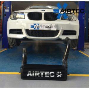 ATINTBMW2/135 intercooler maggiorato frontale radiatore alluminio manicotti siliconici girotubi bmw serie 1 e82 135i airtec airtek mondotuning mtelaborazioni